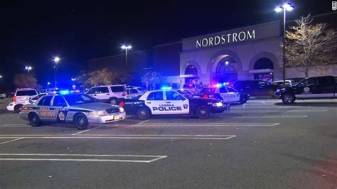 Garden State Mall Shooting Today New Jersey Mall Gunman Found Dead Hours After Shooting