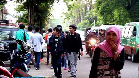 Baju Distro Kaos Keren Motogp Peta Jalan pusat distro trunojoyo bandung grosir kaos distro murah gratis gelang keren