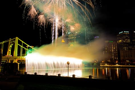 pittsburgh light up night schedule 7 things you need to know about light up night 2013 the