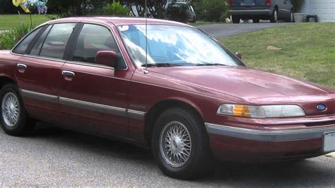 1992 ford crown photos informations articles