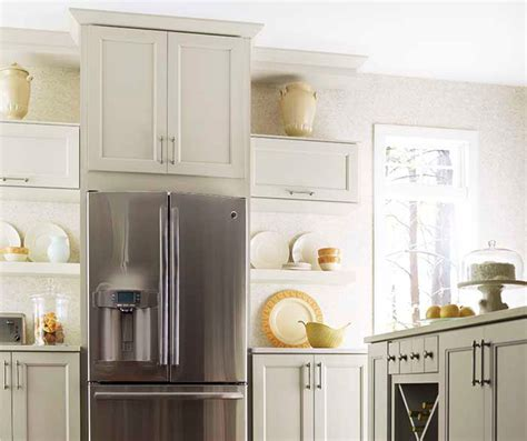 kemper kitchen cabinets shaker crown moulding kemper cabinetry