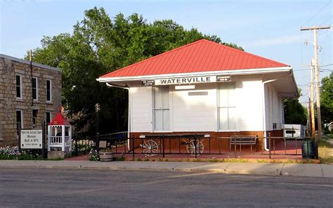 missouri pacific railroad depot waterville kansas