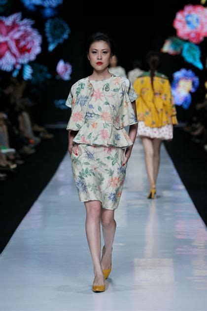 Baju Batik Edward Hutabarat 153 best images about k e b a y a on traditional lace and fashion weeks