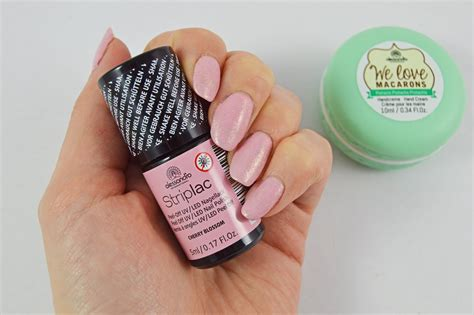 alessandro nails alessandro striplac und mermaid shimmer nails the chic