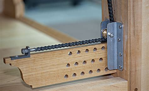 review chain leg vise  roubo style benches  briant