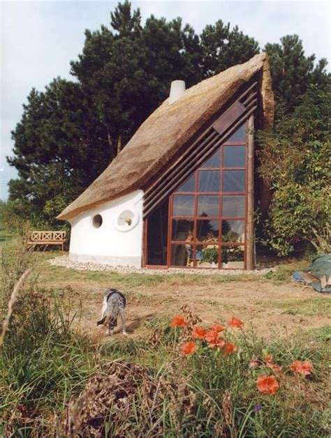 How To Build A Cottage Roof by 40 Beautiful Thatch Roof Cottage House Designs