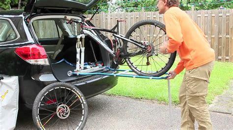 Fahrradhalterung F R Auto by Veloboy Eine Einladehilfe Und Ein Fahrradtr 228 Ger F 252 R Den