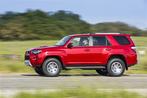 Jeep Vs 4runner by 2017 Toyota 4runner Vs 2017 Jeep Wrangler Compare Cars