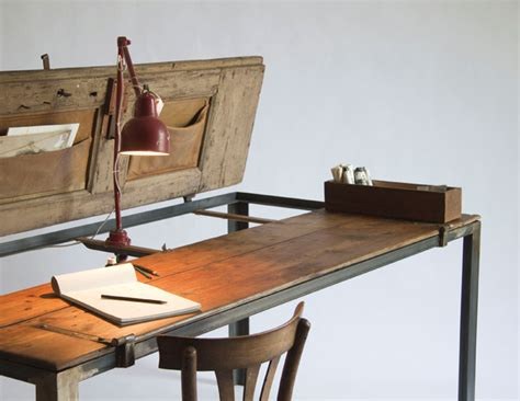 Table De Bureau 2927 by Manoteca Upcycles Memory Yatzer
