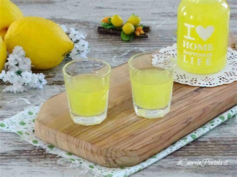 ricetta limoncello in casa limoncello ricetta limoncello fatto in casa il cuore in
