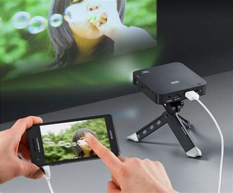 Proyektor Smartphone smartphone projector offers ultimate portability
