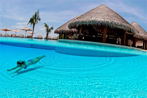 Bagno In Piscina In Bagno Al Mare O In Piscina Come Evitare Le Infezioni