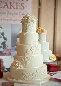 Floral Decorating Classes Lace Wedding Cake Design