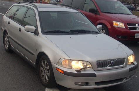 how to learn about cars 2002 volvo v40 lane departure warning 2002 volvo v40 pictures information and specs auto database com