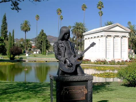s day cemetery los angeles forever cemetery pay your respects to johnny