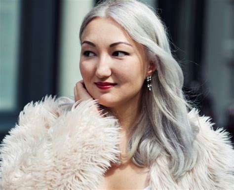 women with platinum hair 24 awesome shades of platinum blonde hair color