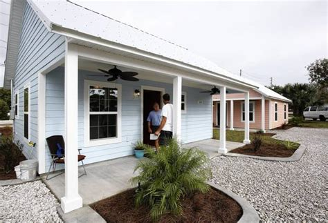 Small Home Builders Orlando As Houses Get Bigger Some Opt To Downsize Into Wee Homes