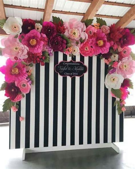 Dekorasi Lamaran Paper Flower Backdrop 10 ide background foto untuk photobooth pernikahan lamaran