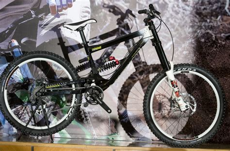 commencal supreme dh 2009 commencal 2009 3 x bikers ru
