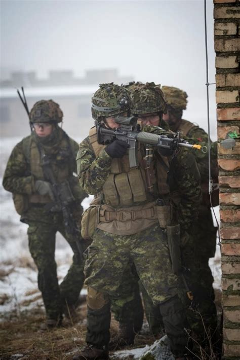 canadian army soldiers to poland in support of