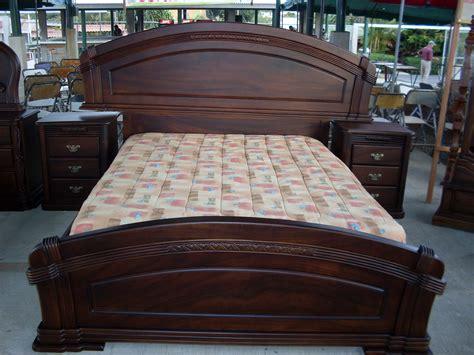 camas  muebles de dormitorio ebanisteria sarchisena
