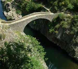le pont du a thueyts 07 randonn 233 es dans la haute