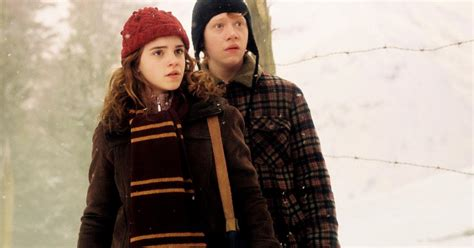 Cople Azkana harry potter e hermione davanti alla stamberga