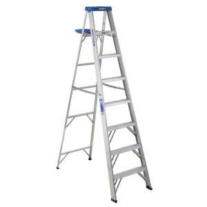 werner 8 ft aluminum step ladder with 250 lb load