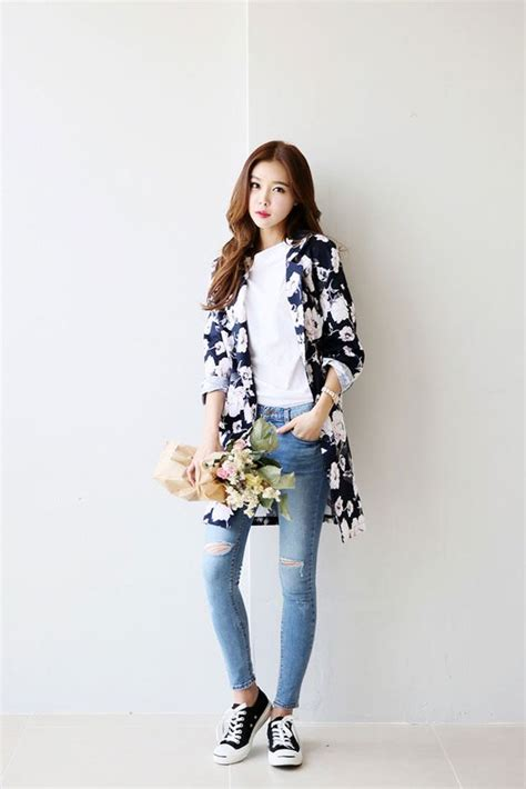Casual Top Atasan Pakaian Informal Wanita Blue Country M 329504 10 gaya fashion casual ala korea ini bikin penilanmu makin stylish
