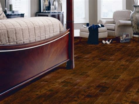 cheap flooring ideas for bedroom laminate flooring ideas bedroom an impressive for