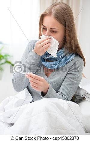imagenes graciosas teniendo frio im 225 genes de joven mujer teniendo fr 237 o enfermo mujer