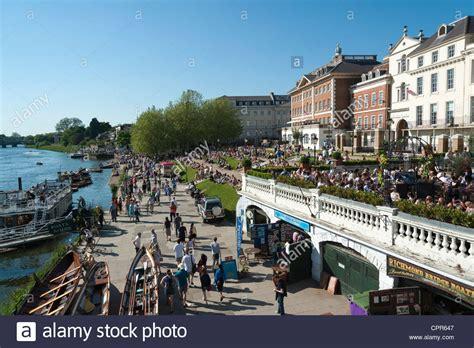 thames river walk london the riverside walk along the river thames richmond london