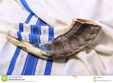 shofar horn  white prayer talit room  text rosh hashanah jewish holiday concept