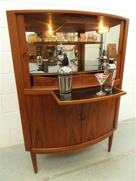 Retro Bar Cabinet 17 Best Ideas About Drinks Cabinet On Pinterest Living Room Bar Bar Carts And Liquor Cart