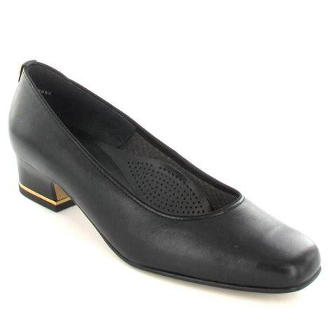 41859 01 black leather court shoe