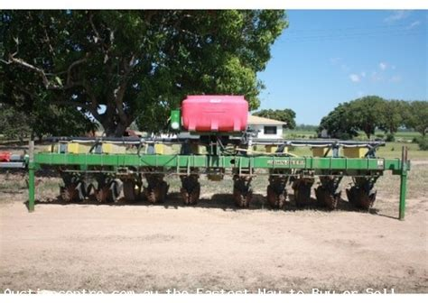 Deere Maxemerge Planter For Sale by Deere 1700 Maxemerge Plus Planter Auction Id 115090