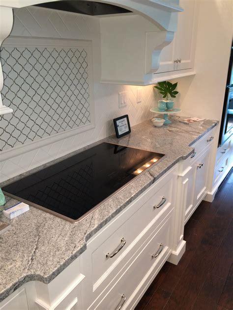 White Silver Granite Countertop by Vintage White Silver Cloud Granite Counter With Whtie