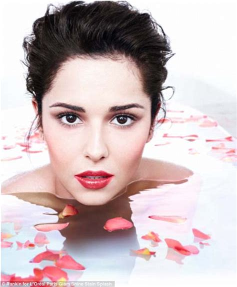 28 Inch Bathtub Cheryl Cole Goes Au Naturel In New L Oreal Campaign Shot