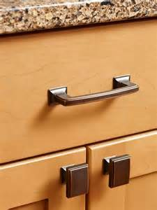 Kitchen Cabinets Handles by Kitchen Cabinet Handles