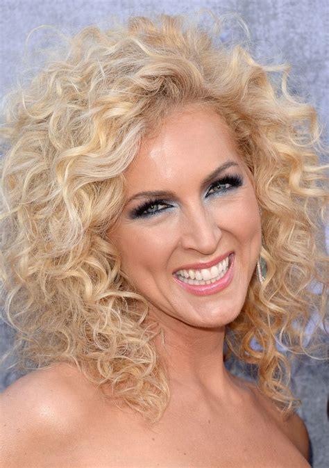 kimberly schlapman medium curls medium hair styles