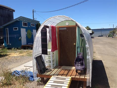 tiny house for the homeless goes solar in oregon