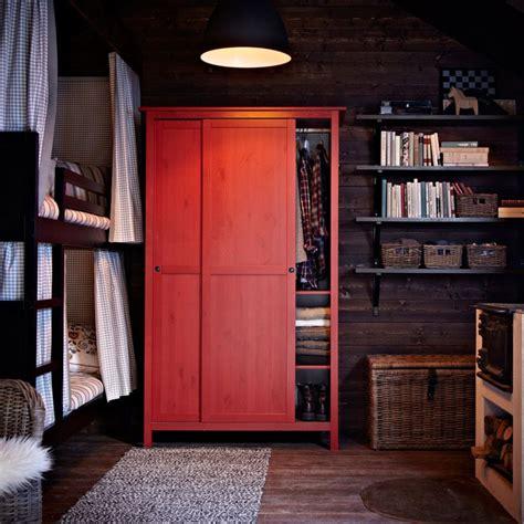 armario hemnes ikea 2 puertas armario hemnes rojo con dos puertas correderas houses
