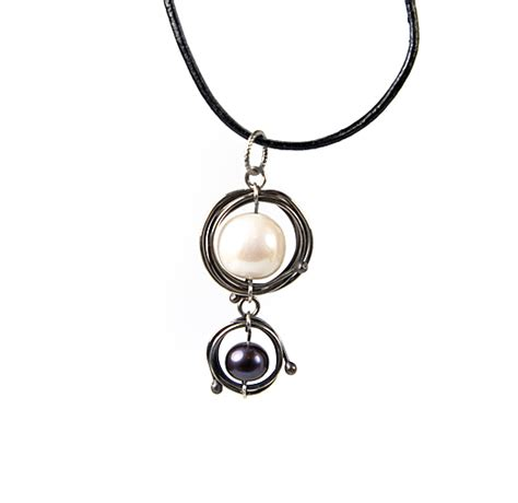 orbital earrings by albina manning a free jewelry pattern