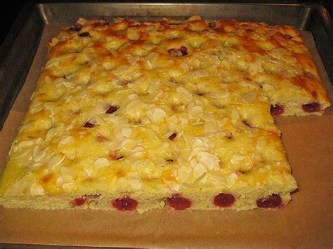 rezept kuchen mit kirschen buttermilch kokos kuchen mit kirschen rezept mit bild
