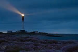 le aus file le phare de sein sous le grain jpg wikimedia