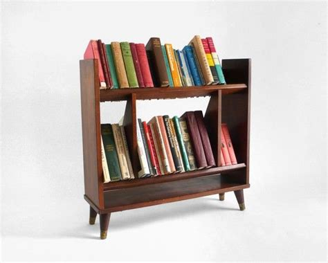 Retro White Beadboard Bookshelves With by Best 25 Vintage Bookcase Ideas Only On Mid