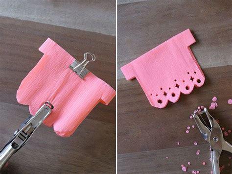 como hacer cadenas de papel picado como hacer una guirnalda de corazones de papel picado