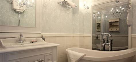 Badezimmer Zum Fliesen Vorbereiten by Badezimmer Tapezieren Tipps F 252 R Tapeten Und Vorbereitung