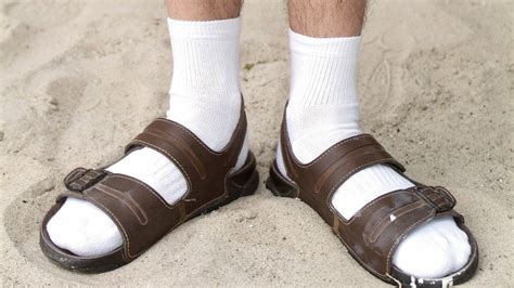 sandals and socks 7 things you should never wear to the travelversed