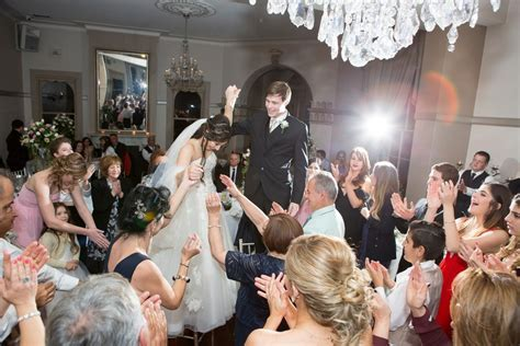 2016: The world's top 10 wedding reception songs